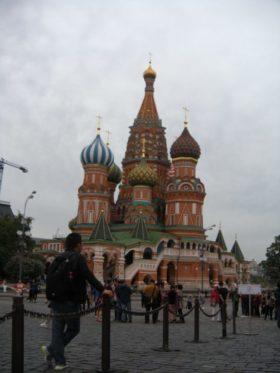 サンクトペテルブルクは綺麗な建物が並んでいました。