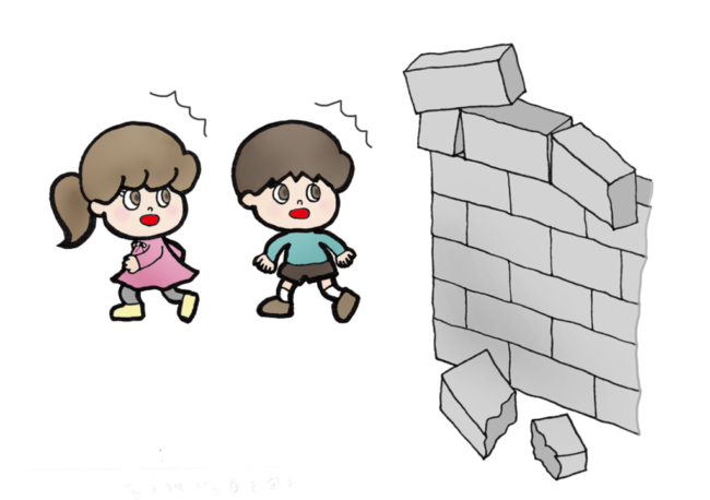大阪の小学校の倒壊したブロック塀